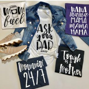 Mommin' Tees